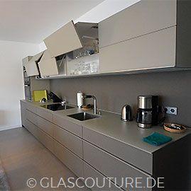 Beiepiel Glasküche Smooth Grey